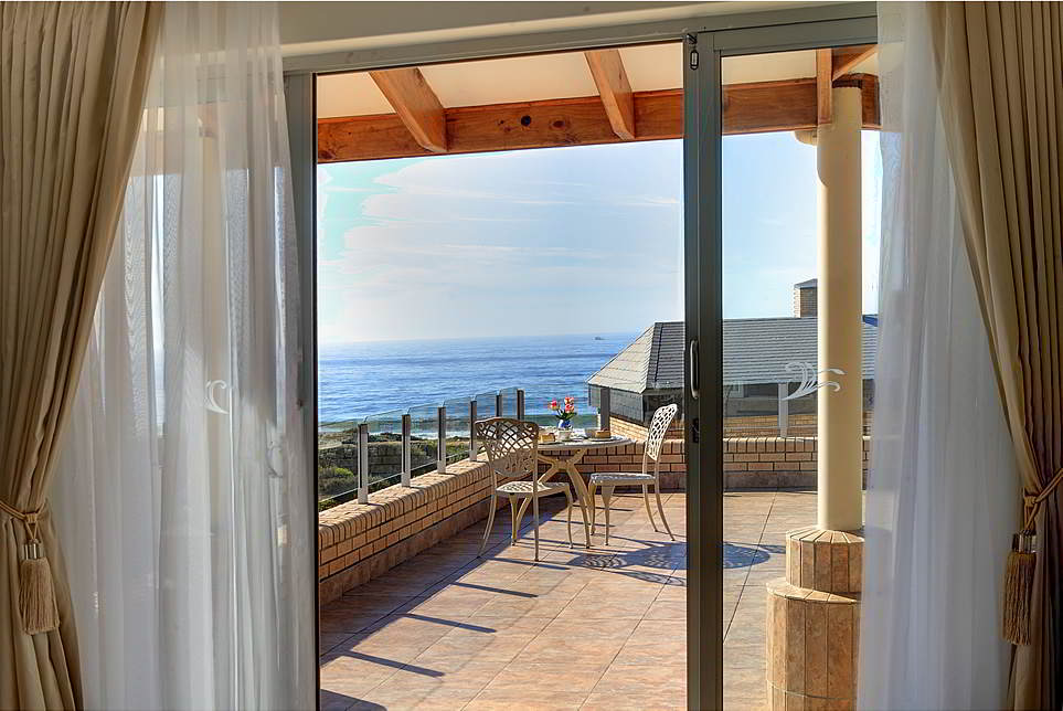 African_Oceans_Manor_On_The_Beach_Mossel_Bay_Accommodation_Villa_Suite_7_5