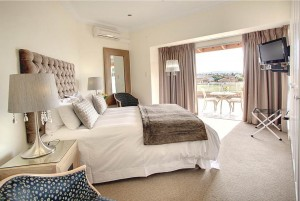 African_Oceans_Villa_Mossel_Bay_Accommodation_Suite_8_bed