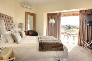 African_Oceans_Villa_Mossel_Bay_Accommodation_Suite_8_bedroom