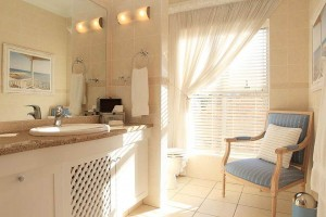 African_Oceans_Villa_Mossel_Bay_Accommodation_Suite_9_bathroom