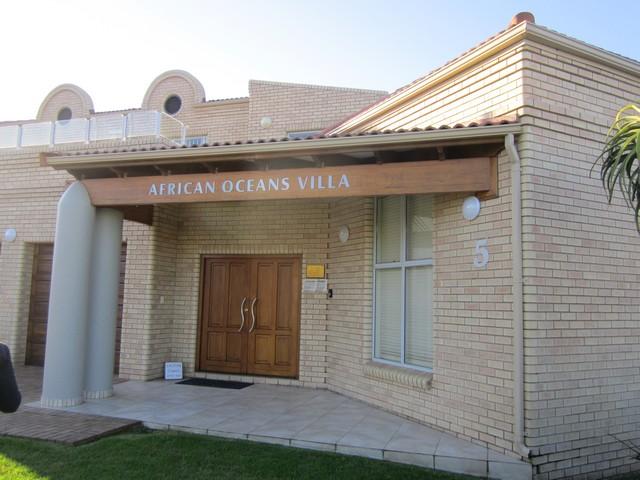 African-Oceans-Manor entrance villa