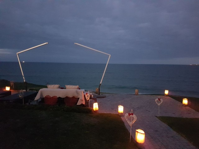 African_Oceans_Manor_on_the_Beach_Mossel_Bay_Romantic_Picnic_Setup2